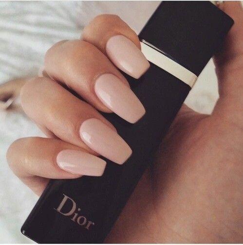 Nackte Nägel, sargförmige nackte Nägel, nackte rosa Nägel, Nagelfarbe   – Gelnägel Ideen