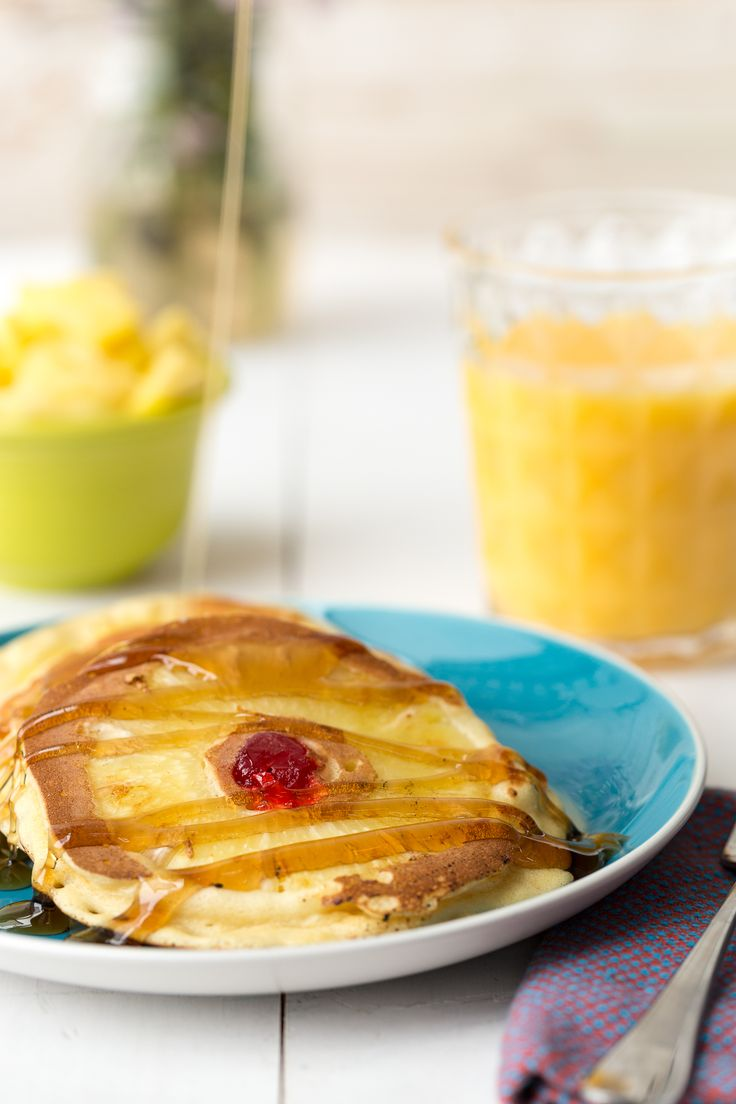 Pineapple Upside-Down Pancakes - (This recipe calls for both Bisquick and cake mix. Eh! Maybe for dessert. HOWEVER... Why not just put slices of pineapple in your pan and label the pancake batter on top for a break fast idea?)