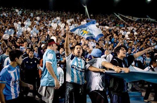 Fútbol es el deporte más popular. 90% de las personas son admiradores del deporte. Lionel Messi es un muy famoso jugador en el equipo.      -margarita