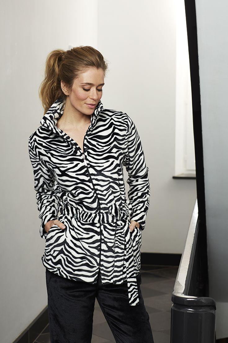 Stylish black and white 'zebra print ' soft fleece homesuit with zip and belt https://www.pyjama-direct.nl/nl/