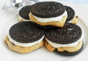Dessert's Favorite Cookie: 26 Recipes with Oreos | TheBestDessertRecipes.com