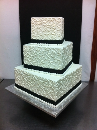 Square Wedding CakeCake Design, Colors, Squares Wedding Cake, Beautiful Squares Cake, Cake Cupcakes Sweets, Cake Ideas, Black Whit, Square Wedding Cakes, Cakecentral Com