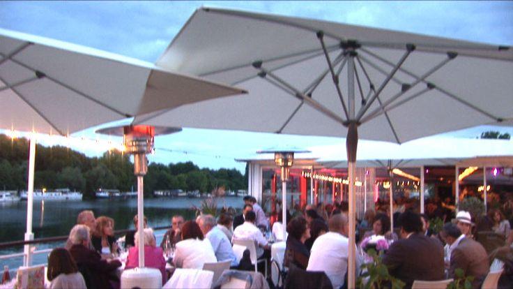 Restaurant Salon sur L'eau Suresnes http://www.restovisio.com/restaurant/le-salon-sur-leau-670.htm #restaurant #terrasse #salon #seine #nature