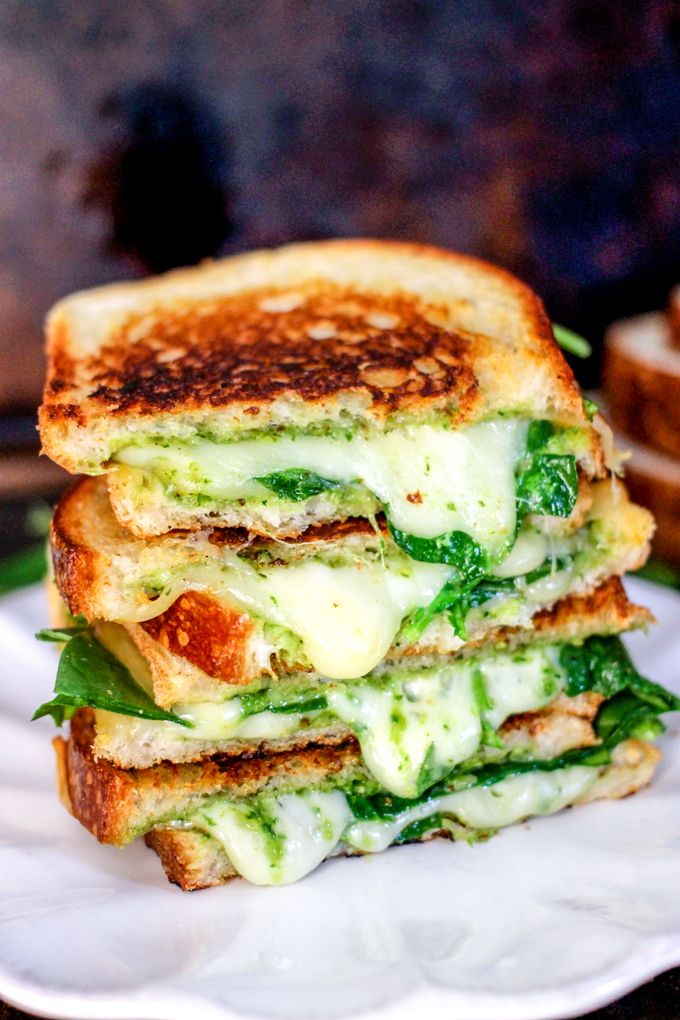 Spinach Pesto Grilled Cheese is stuffed with delicious smoked gouda cheese, spinach, and a homemade spinach pesto - it's to die for!