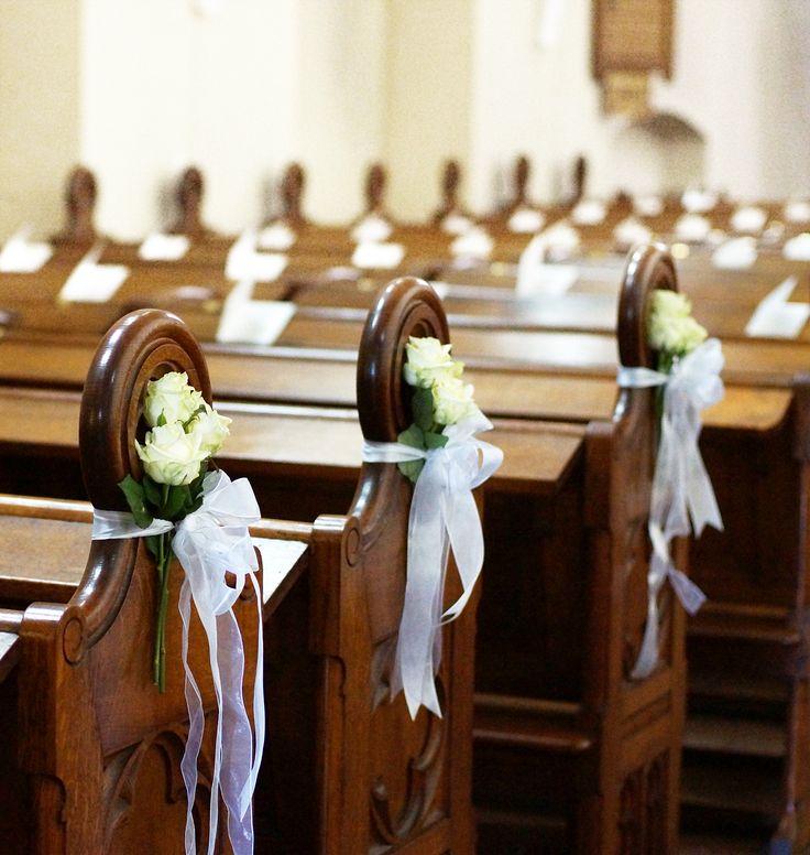 25 beste idee n over kerk bloemen op pinterest kerkelijke bruiloft decoraties kerkelijke - Deco woonkamer met trap ...