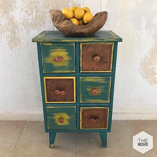 Another stunning piece from @the.noohs in Bahrain! This time they have layered English Yellow and one of Annie Sloan's newest Chalk Paint™ colours, Amsterdam Green. Distressed and finished with Annie's Soft Clear Wax, this little set of drawers has been convert into a beautiful bohemian talking point! @anniesloanhome @chalkpaint #anniesloan #amsterdamgreen #chalkpaint #englishyellow #anniesloanmiddleeast #chalkpaintbahrain #thenoohs #anniesloanbahrain
