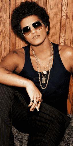Bruno Mars Juego, Gratis<p><br>Bruno Mars Juego, Imágenes, Fondos, Fotos y toda la diversión gratis en esta aplicación<p><br>Peter Gene Hernández2 (nacido en Honolulu Hawái, el 8 de octubre de 1985),3 más conocido por su nombre artístico Bruno Mars, es un cantante-compositor y productor musical estadounidense de ascendencia filipina por la vía materna y puertorriqueña por la vía paterna. Criado en Honolulu, Hawái por una familia de músicos, Mars empezó a hacer música a una edad temprana (a…