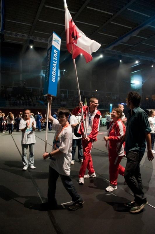 Desfilada de participants de Gibraltar a la inauguració - Special Olympics