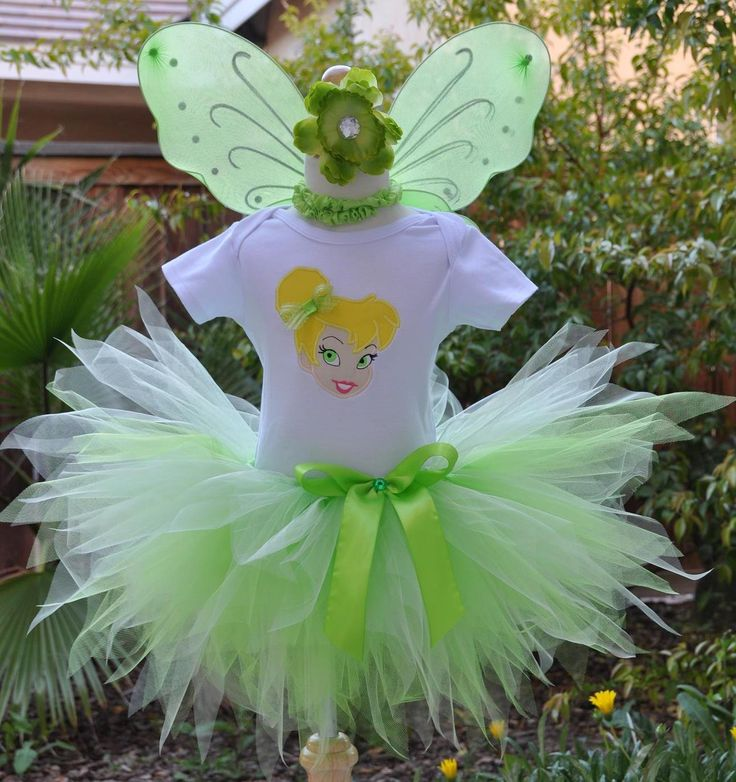 DIY Tinkerbell costume by Seventh Smith- love the skirt, but the top needs some help.