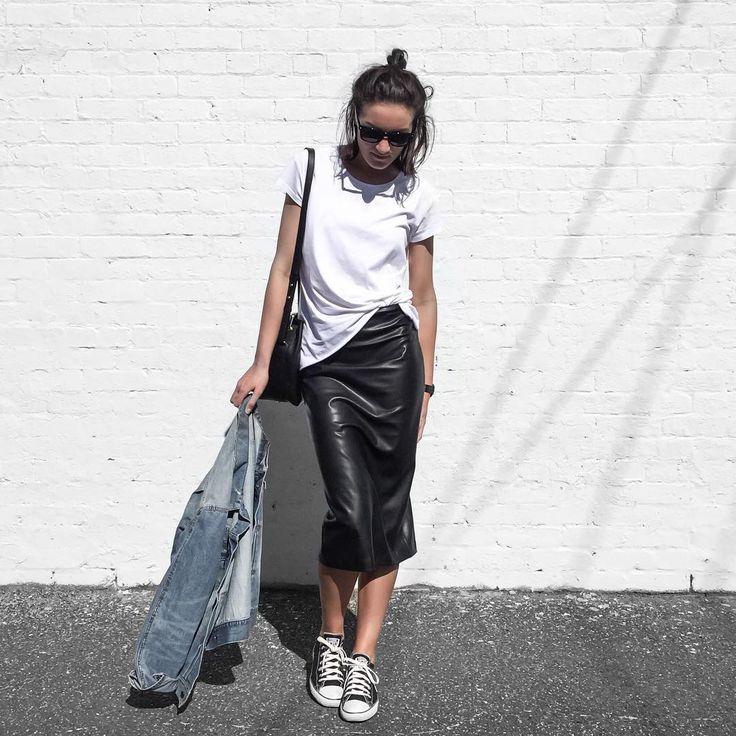 Denim jacket + Converse How to dress down a luxe leather skirt ✔️ | modeandmaison.wordpress.com
