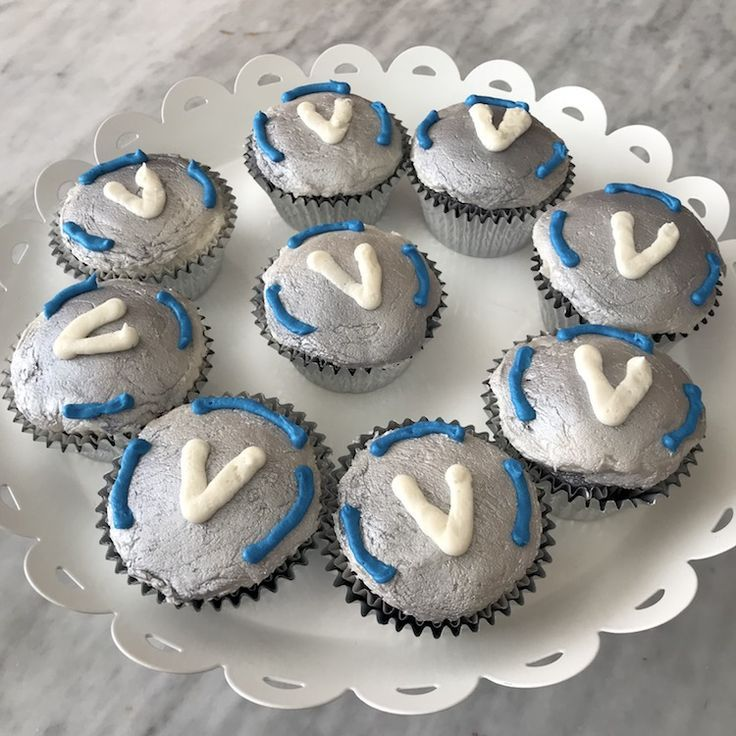 Fortnite Birthday Party Cupcakes Amp Med Kits Recipe