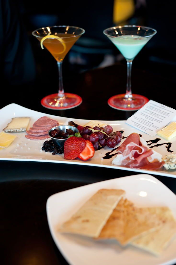 Hodo Restaurant Food Restaurant Lounge Cocktails Sign