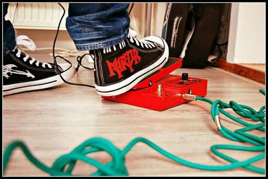 'Martyr', sbwakers. SOLD ! You can order your own pair of customized sneakers.  Facebook page: 'T isn LL'
