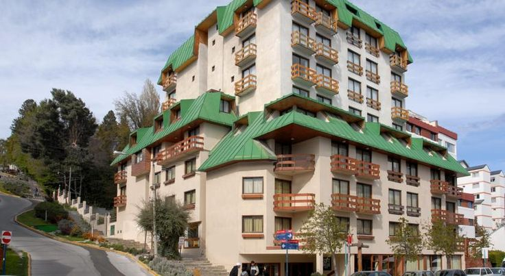 Soft Bariloche Hotel San Carlos de Bariloche Located in the commercial centre of Bariloche and just a few metres from Nahuel Huapi Lake, Soft Bariloche offers free WiFi access. Catedral Ski Centre is 20 km away.  All rooms at Soft Bariloche are equipped with cable TVs and a safety deposit box.