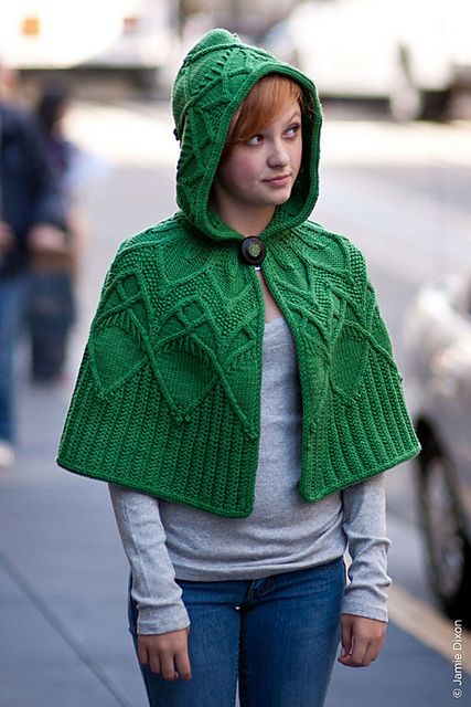 I love this so much...but do I really want to tackle yet another project with cables so soon? Still...it's tempting me! $7 pattern Boundless by Christa Giles in Twist Collective Fall 2011.