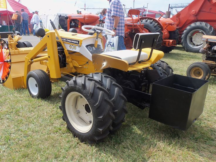 Garden Tractor Counterweights : Allis chalmers b from the rear with duals a