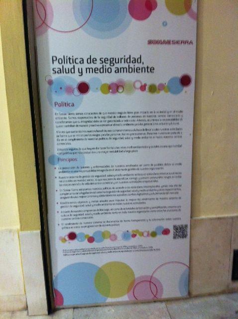 Toda una declaración de intenciones en un centro comercial de Málaga (España)