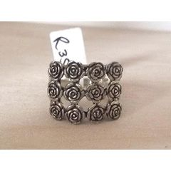 925 SILVER ROSES RING SIZE 8.5 for R350.00