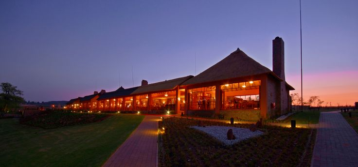 Kloofzicht Lodge - Conference Centre at night
