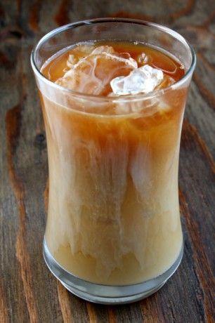 Vers gemaakte ijskoffie; koffie op hete dagen - Lekker Tafelen Recepten & Kooktips