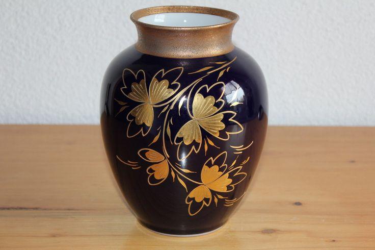 http://www.ebay.de/itm/Kobalt-Vase-Geiersthal-Gold-Malerei-/291396231176?pt=LH_DefaultDomain_77
