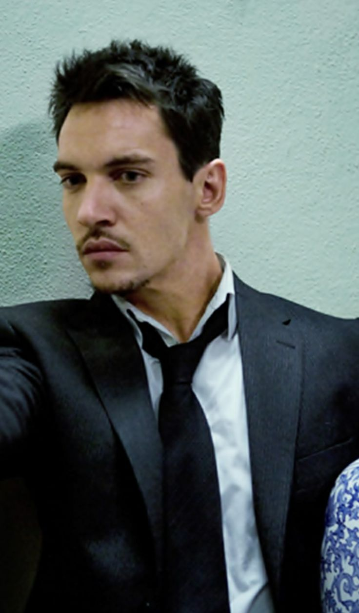 Jonathan Rhys Meyers Detained By Cops After Tirade On American Airlines