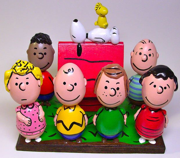 Peanuts Easter eggs.... This is over the top!