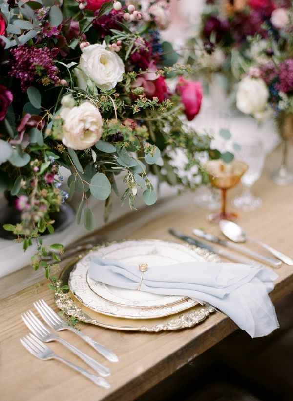 Elegant Vintage Wedding Place Setting | Rebecca Yale Photography on @CVBrides via @aislesociety