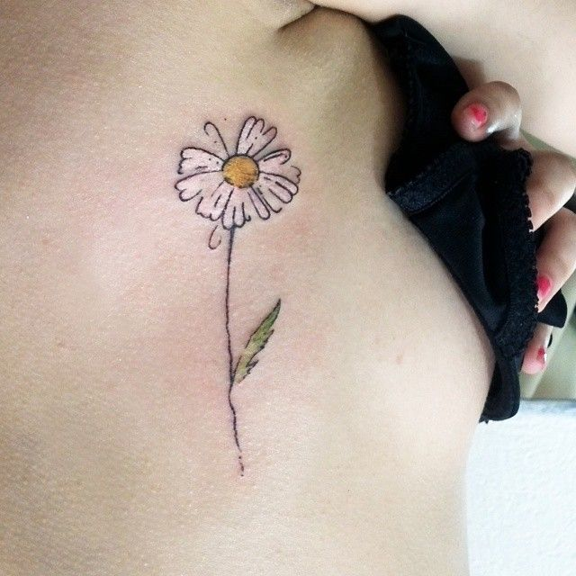 25 best ideas about small daisy tattoo on pinterest for Small flower designs