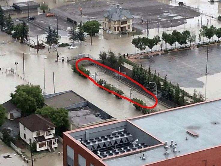 """WOWSERS! @Chris Cote Cote Scott 4m Awful. """"@christiefaber: The red circle is the c train tunnel into downtown Calgary right now. #yycflood"""