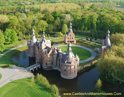 Kasteel van Ooidonk (Ooidonck Castle), Ooidonkdreef, Deinze, Belgium The castle is the residence of the Earl t'Kint de Roodenbeke. A fortress was first built on the site of the present castle in 1230, intended to defend the city of Ghent and to fortify the river Leie.