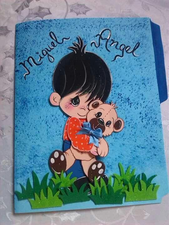 carpeta decorada en foami
