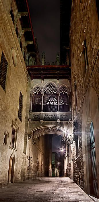 Gothic bridge at night in barcelona weston westmoreland for Te amo barcelona