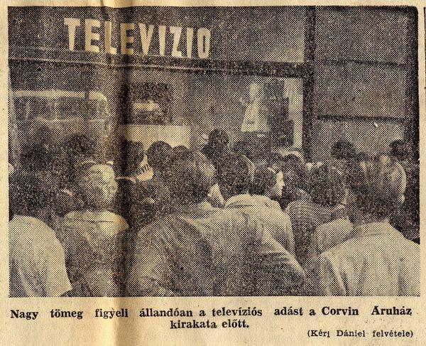 Televízió a Corvin áruház kirakatában - Szabad Nép 1956 szeptember 11. - regiujsag