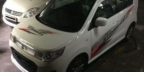 Maruti Suzuki besok tanggal 21 Agustus 2013 akan meluncurkan mobil murah Wagon R Stingray untuk pasar otomotif India. Sebagai mobil murah, tampilan desainnya tidak terlalu berbeda jauh dibanding model yang ada di Jepang.