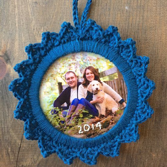 This picture frame ornament is a great way to remember all the great things that happened in 2014!