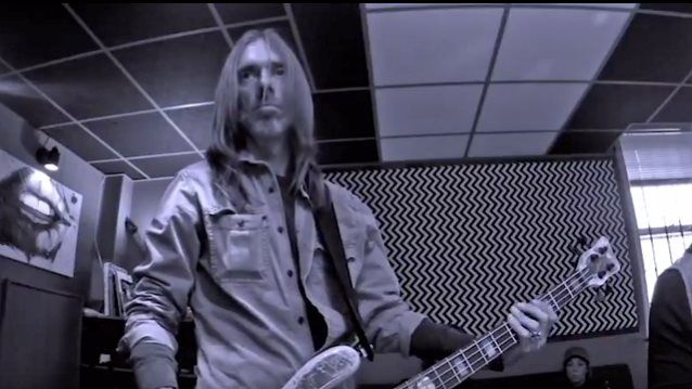 Ex-PANTERA Bassist REX BROWN: Teaser For 'So Into You' Song From 'Smoke On This' Album