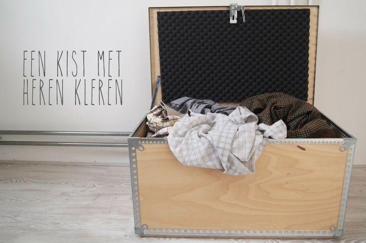 een kist met heren kleren: miss steek blogt over recykleren, dit keer met 5 herenoverhemden en 1 stropdas