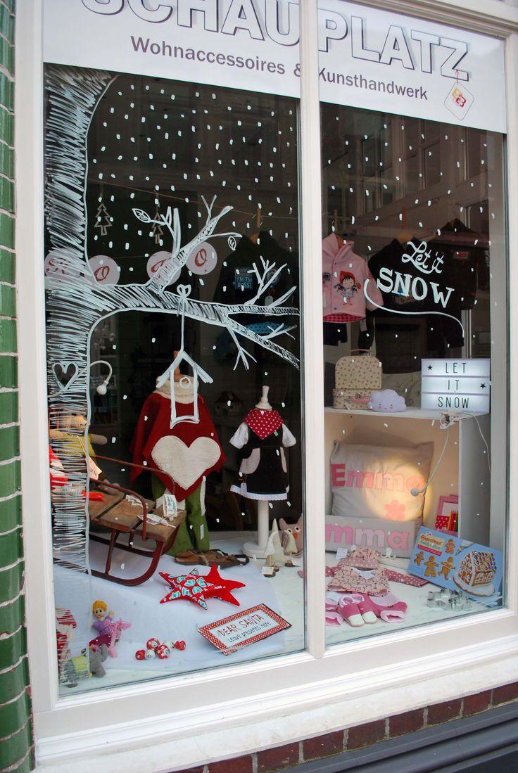 ♥ Weihnachtsfenster 2016 ♥  #chalkmarker #kreidestift #Kinderzimmerdeko #schauplatz #schaufenster #lightbox #baby #taufe #geburt #letitsnow #schaufensterbemalen
