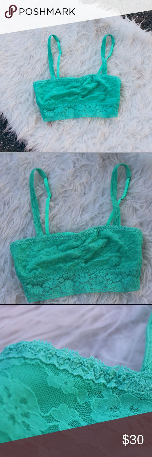 Hollister Gilly Hicks sea foam green bandeau This comfortable bandeau top is super stretchy with pretty, allover lace. Imported. With soft, stretchy lace and removable padding, these lightly-lined lovelies are your absolute summer essential!! If you have anymore questions feel free to ask! 💓☺️ Hollister Intimates & Sleepwear Bandeaus