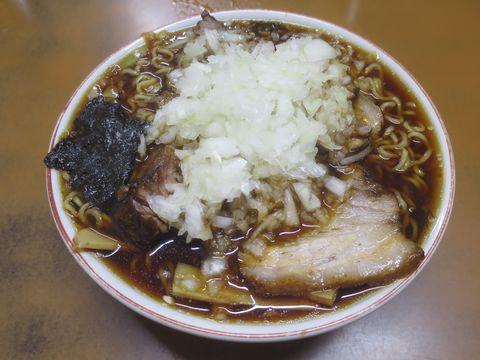 富津市 梅乃屋 竹岡式ラーメン発祥 チャーシューの煮汁とお湯だけのスープ