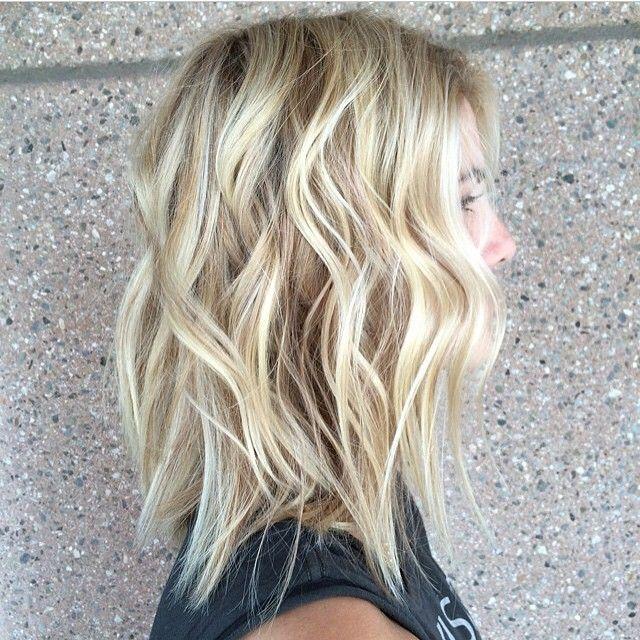 Making blonde waves. Color by @paigeenavarro #hair #hairenvy #haircolor #blonde #highlights #beachyhair #newandnow #inspiration #maneinterest
