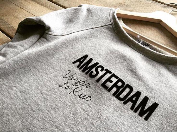Amsterdam sweater verkrijgbaar in het grijs en antraciet. Wees er snel bij ! Op = echt op ;) www.voyarlarue.com