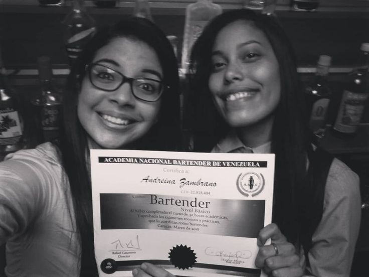 Hermana gracias por acompañarme y ayudarme te quiero mucho... . .  #bartender #barmaid  #coctel #cocktail #presentation #academianacionalbartenderdevzla #academia
