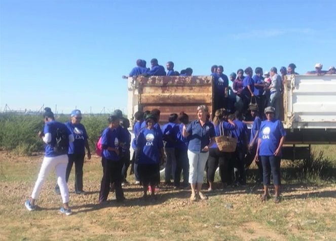 Photo of Democratic Alliance supporters transported like cattle is real A few weeks ago a photo emerged of DA supporters being transported to a rally in a cattle-truck. The party immediately disputed the authenticity of the image; but, as the muggles say, the truth shall out. And it has. http://www.thesouthafrican.com/photo-of-democratic-alliance-supporters-transported-like-cattle-is-real/