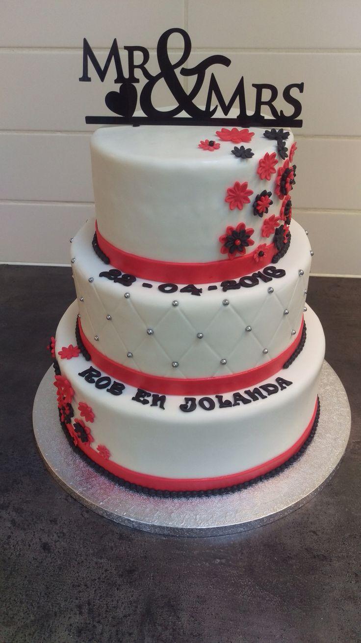 Bruidstaart zwart/wit/rood