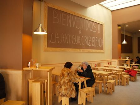 Cervecería La Cruz Blanca. www.cuartocolor.es #pintura #paredes #pizarra #decoracion