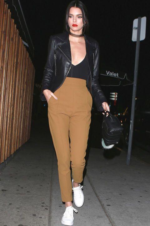 Kendall Jenner en Balenciaga y Kenneth Cole