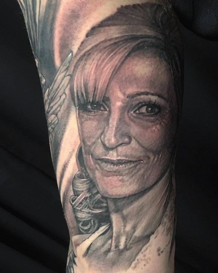 #realistic #portrait #woman #amazing #art #artist #Dublin #professional #studio
