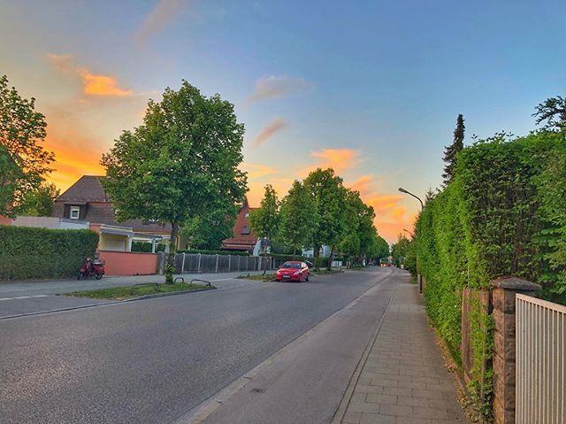 Hach #mingaoida ...  #indahood #münchen #bergamlaim #münchencity #münchenliebe #bigcitylife #cloudporn #cityscape #bayern #bavaria #munich #visitbavaria #germany #citytrip